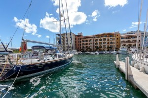 Porto Cupecoy marina st maarten car rental best deal with sxm loc